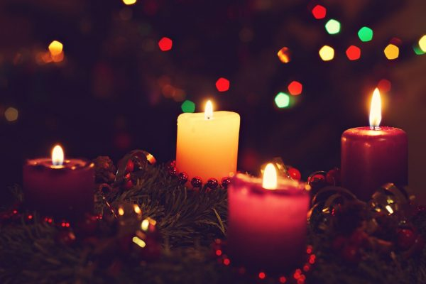 Make Your Own Advent Wreath!